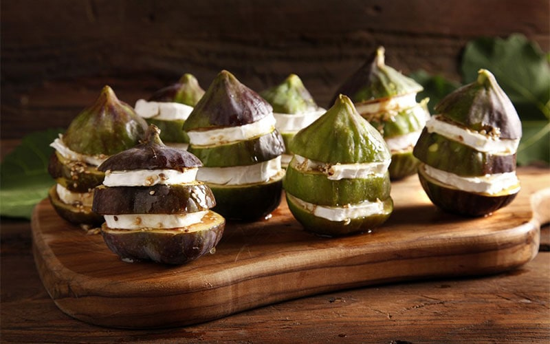 FIGS AND CHEESE WITH VEGETABLE CURD